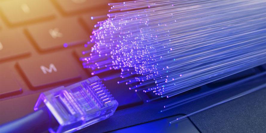 bovengronds en ondergronds installatie en storingsmonteur voor internetprovider